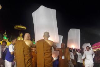 Terbangkan ribuan lampion tutup rangkaian Waisak Borobudur