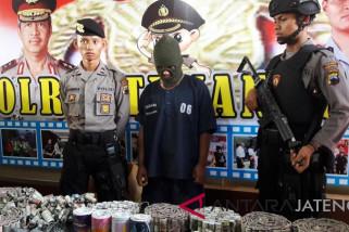 Polisi tangkap pembuat dan penjual mercon di Temanggung