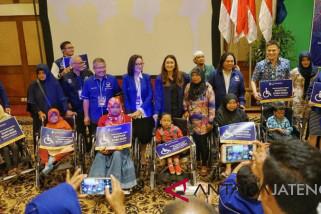 Nasdem Jateng bantu kursi roda kaum disabilitas