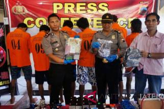 Polisi tangkap enam tersangka pemakai sabu-sabu
