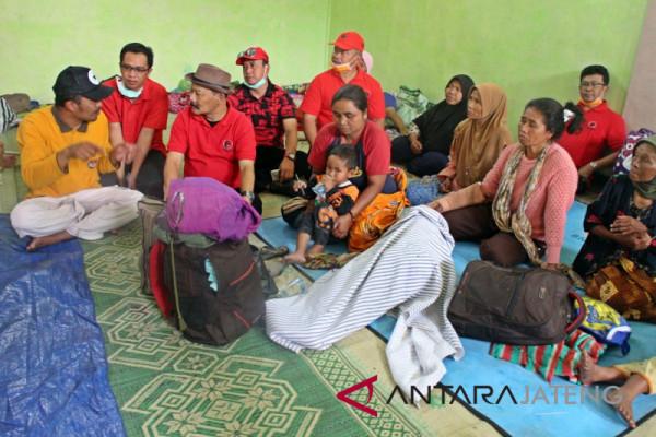PDI Perjuangan Boyolali salurkan bantuan kepada pengungsi Merapi