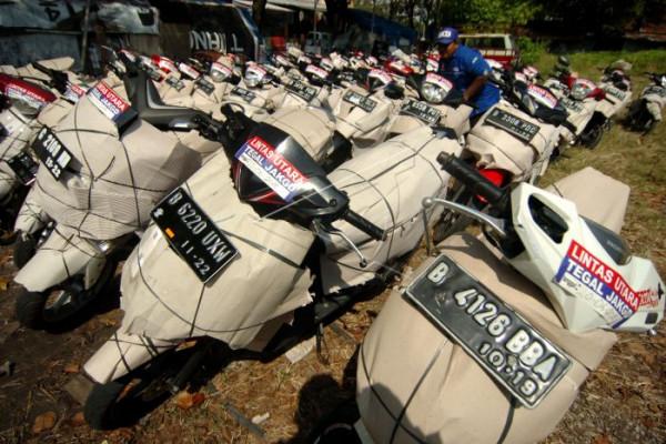 Angkut sepeda motor pemudik arus balik