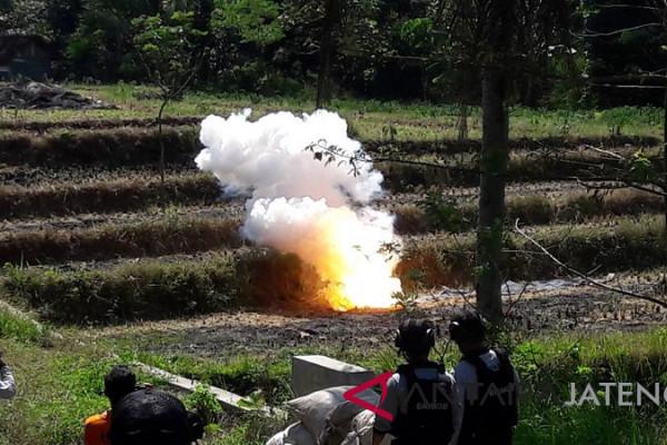 Polres Temanggung musnahkan ribuan petasan