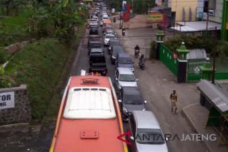 Arus balik kendaraan di Banjarnegara lancar