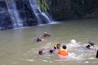 Dua wisatawan ditemukan tewas di Curug Nangga Banyumas