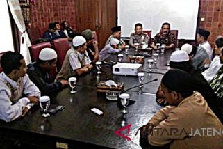 Wali Kota Surakarta buka bersama dengan puluhan mantan napi terorisme