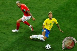 Piala Dunia, Brasil kesulitan namun fokus tetap pada Neymar