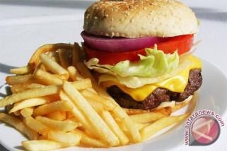 Kebiasaan ngemil malam hari bisa menderita obesitas
