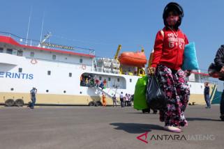 Enam kapal angkut pemudik gratis tiba di Semarang (VIDEO)
