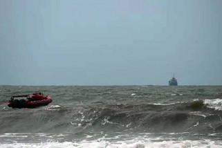 Seorang bocah hilang terseret gelombang Pantai Teluk Penyu