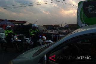 Arus kendaraan di Jalan Ajibarang-Brebes meningkat (VIDEO)