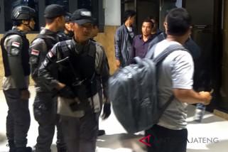 Tim KPK Bawa Bupati Purbalingga ke Jakarta