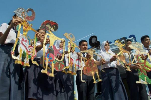 Masa pengenalan lingkungan sekolah bertema nasionalis