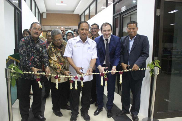 Undip buka Bloomberg Finance Lab pertama di Indonesia