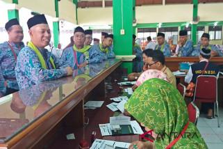 34.111 calon haji diterbangkan dari Bandara Adi Soemarmo