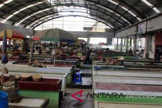 Gara-gara harga meroket, pedagang daging ayam di Magelang tidak berjualan