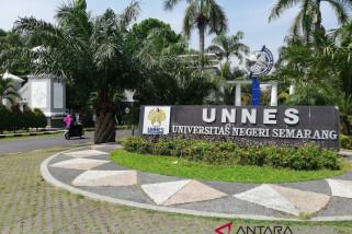 Litera nyatakan artikel Rektor Unnes tidak asli