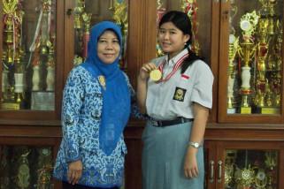 Siswa SMA Negeri 3 Semarang raih medali emas OSN