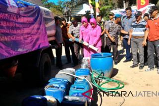 Polres bantu air bersih untuk warga Merapi