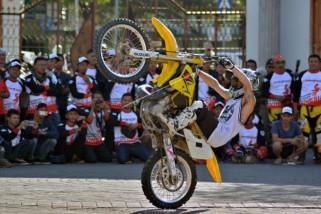 Atraksi freesyle motocross