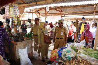 1.900 pedagang Pasar Induk Kedungwuni dipindah ke pasar darurat