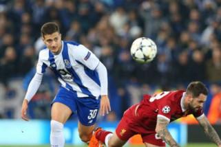 Cedera lutut, Mourinho bilang Dalot menepi hingga September