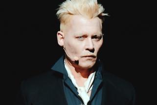 Johnny Depp pamerkan penampilan sebagai penyihir di film