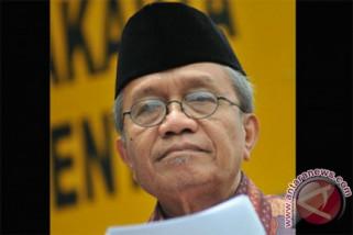 Taufiq Ismail luncurkan buku dan baca puisi di KBRI Paris