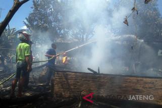 Enam rumah sekitar Pasar Proliman Banyumas terbakar
