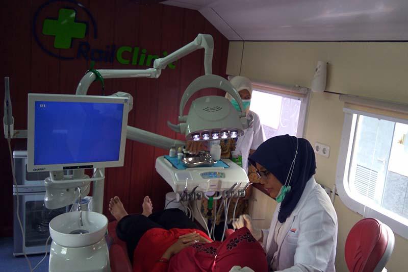 Video - Rail Clinic KAI layani warga Gandrungmangu