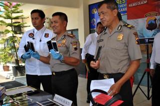 Pencuri puluhan telepon seluler dibekuk polisi Cilacap