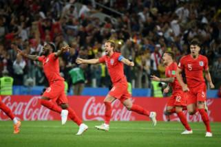 Drama adu penalti Inggris vs Kolombia dalam tangkapan kamera