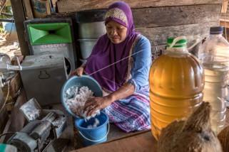 Membuat minyak kelapa