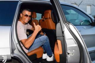 Ronaldo tiba di Turin, sedot 20 ribu suporter