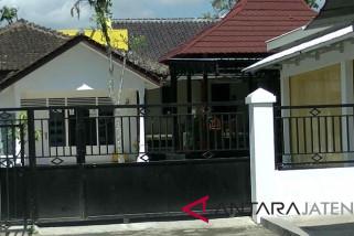 Kena OTT, rumah suami Eni Maulani di Temanggung sepi