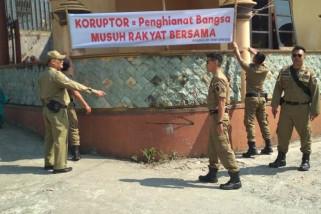 Lima spanduk provokatif di Greges Temanggung dicopot petugas