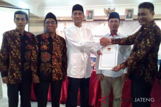 KPU tetapkan Tamzil-Hartono pasangan terpilih