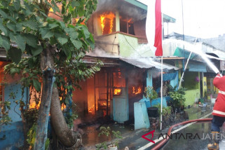 Kebakaran dua rumah warga Solo masih diselidiki