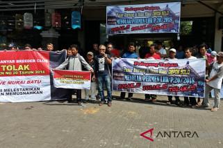 Tolak Permen LHK, pedagang demo di Pasar Burung Solo