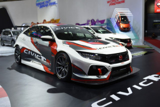 Mobil balap Honda Civic TCR lebih aerodinamis