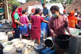 PMI Grobogan distribusikan 168 ribu liter air bersih