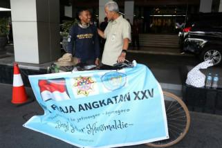 Seorang lulusan IPDN bersepeda temui Gubernur Jateng