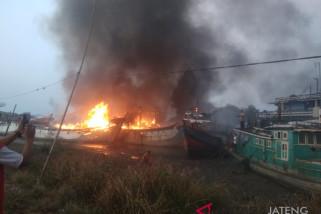 Kebakaran lima kapal nelayan di Pati masih diselidiki