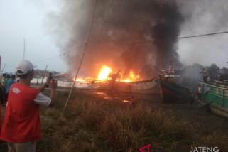 Kerugian Kebakaran Kapal Nelayan di Juwana Capai Rp20 Miliar