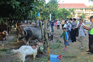 Polresta Surakarta bagikan 33 hewan kurban
