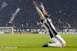 Tepis kutukan, Higuain kenakan kostum nomor sembilan di Milan