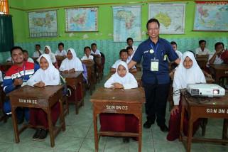 Pertamina Energi Negeri mengajar siswa SD di Cilacap