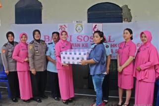 HUT Polwan, srikandi Polresta Surakarta bakti sosial ke rutan