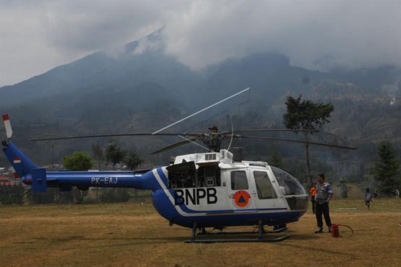 Helikopter bnpb survei lokasi kebakaran pf1m69 prv
