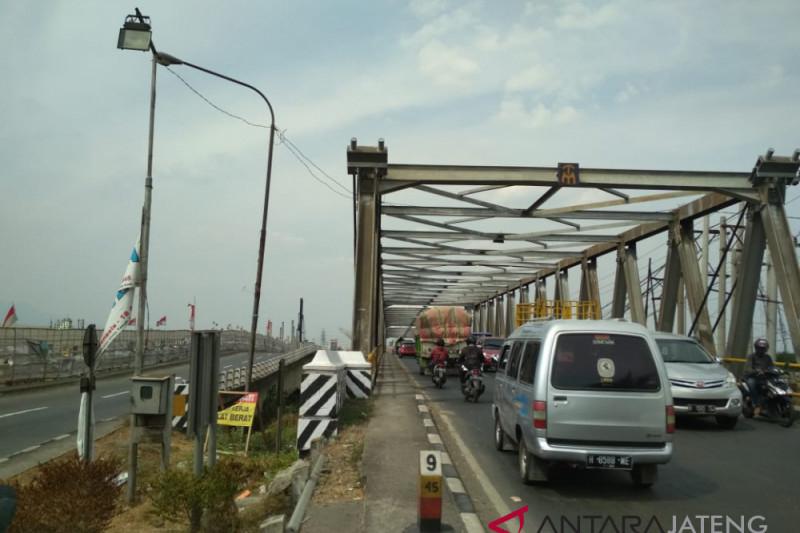 Simulasi penutupan Jembatang Tanggulangin picu antrean panjang (VIDEO)